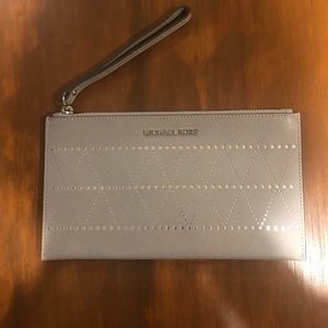 Micheal Kors Large zip clutch